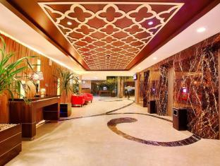蘇拉琶雅阿拉納酒店
