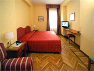 /ca-es/hotel-cavour/hotel/rapallo-it.html?asq=jGXBHFvRg5Z51Emf%2fbXG4w%3d%3d