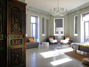 /bg-bg/hostel-club-chao-mama/hotel/saint-petersburg-ru.html?asq=jGXBHFvRg5Z51Emf%2fbXG4w%3d%3d