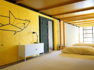 /ca-es/monkey-dive-hostel-khaolak/hotel/khao-lak-th.html?asq=jGXBHFvRg5Z51Emf%2fbXG4w%3d%3d