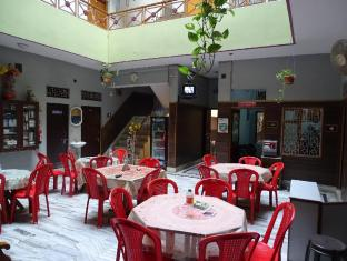 /ar-ae/teerth-guest-house/hotel/varanasi-in.html?asq=jGXBHFvRg5Z51Emf%2fbXG4w%3d%3d