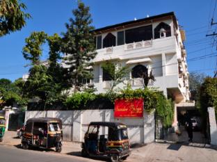/da-dk/sunder-palace-guesthouse/hotel/jaipur-in.html?asq=jGXBHFvRg5Z51Emf%2fbXG4w%3d%3d