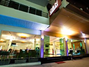 C & N ホテル