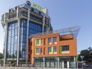 /cs-cz/b-b-hotel-milano-san-siro/hotel/milan-it.html?asq=jGXBHFvRg5Z51Emf%2fbXG4w%3d%3d