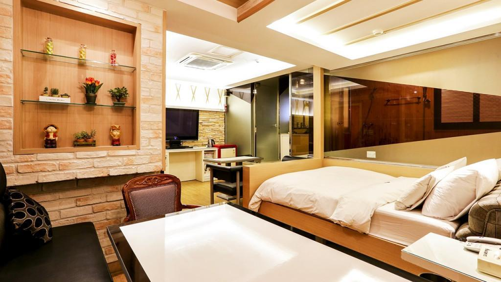 [One Double Bed] VIP Party Room