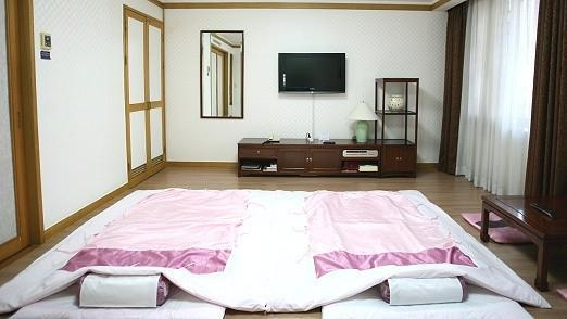 [Double Breakfast + Hot Spring PKG◐] Standard Ondol