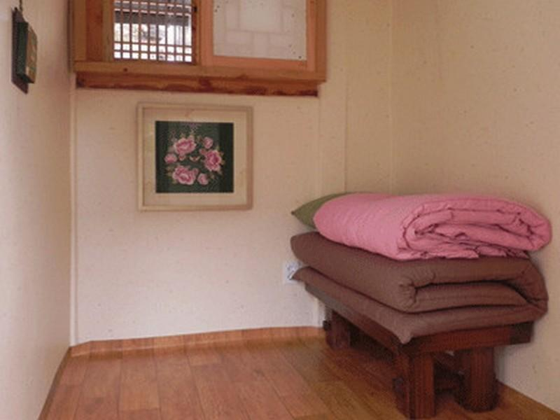 韓國風格小型雙人間 (Korean-Style Small Double Room)
