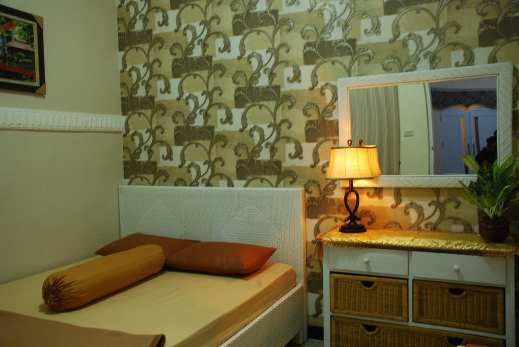 Griya Nelwan Guest House Guesthouse Bed And Breakfast Malang Deals Photos Reviews
