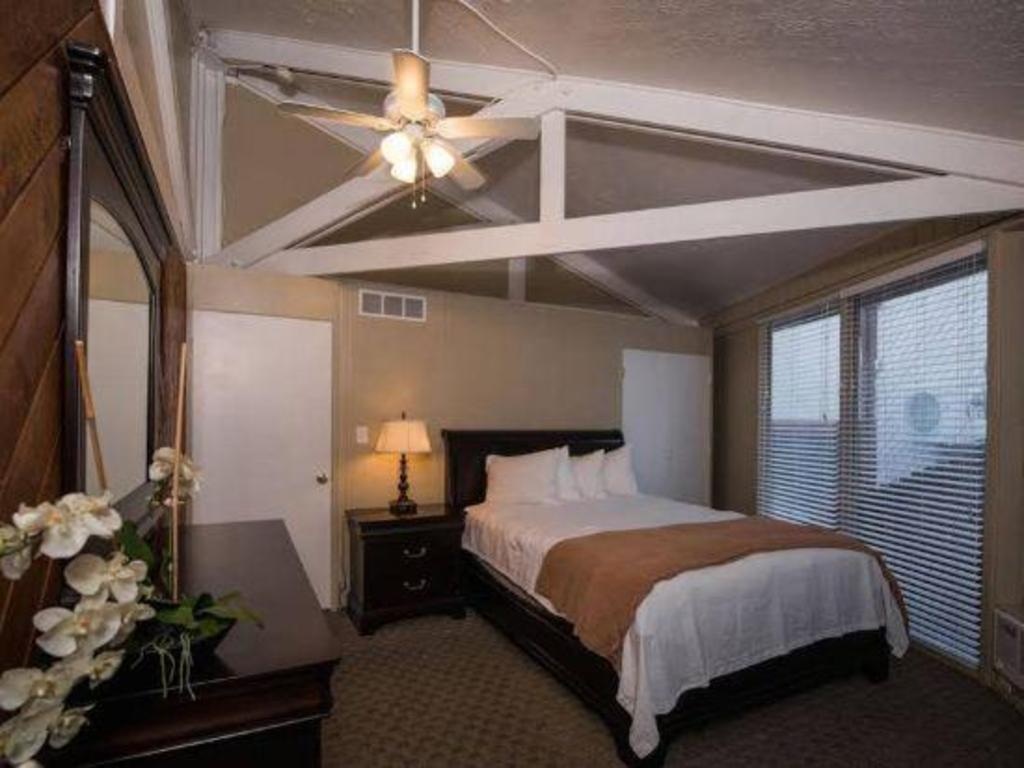 Sweetwater Lift Lodge Hotel Park City Ut Deals Photos Reviews