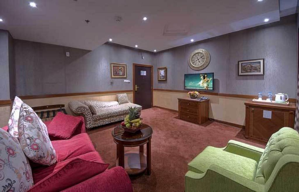 Best Price on Delmon Palace Hotel in Dubai + Reviews
