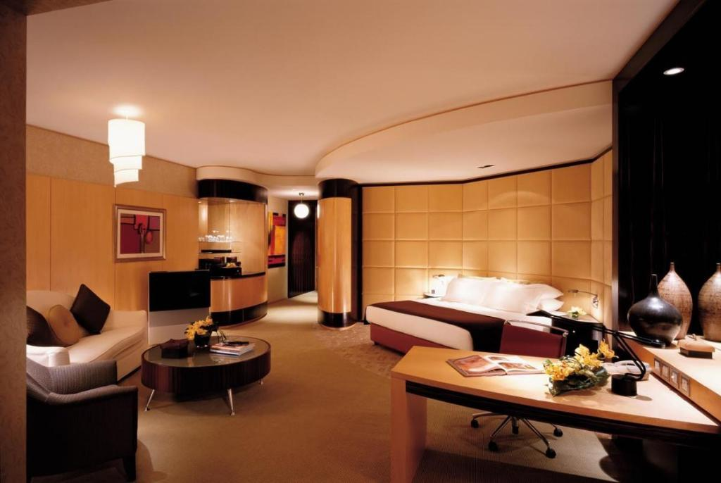 Best price on shangri la hotel dubai in dubai reviews for Best hotel rooms in dubai