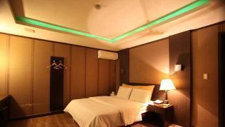 Day Use - Double room - Non-Smoking (4 hour use only)