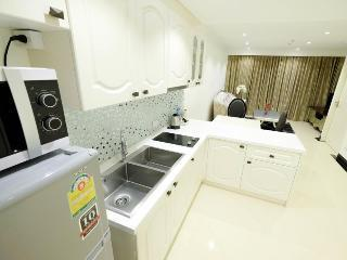 one bedroom suite with