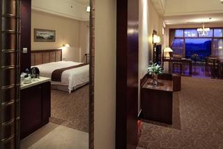 superior twin room( buy 2 get 1 free)