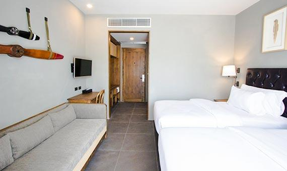 Deluxe with Breakfast and Minibar : Min.2 Night (B2B)