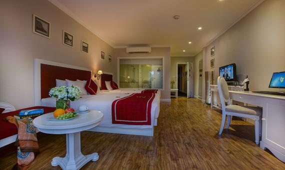 Family Suite with Breakfast - Hot Deal
