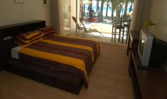 1 Bedroom Absolute Beachfront - Single/Double