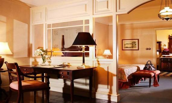 Executive Suite with Breakfast - Advance Saver