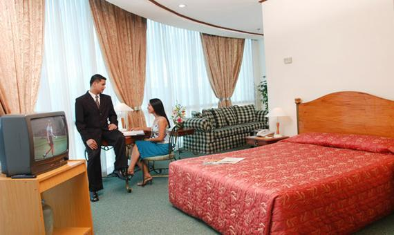 Business Suite with Breakfast and WiFi**