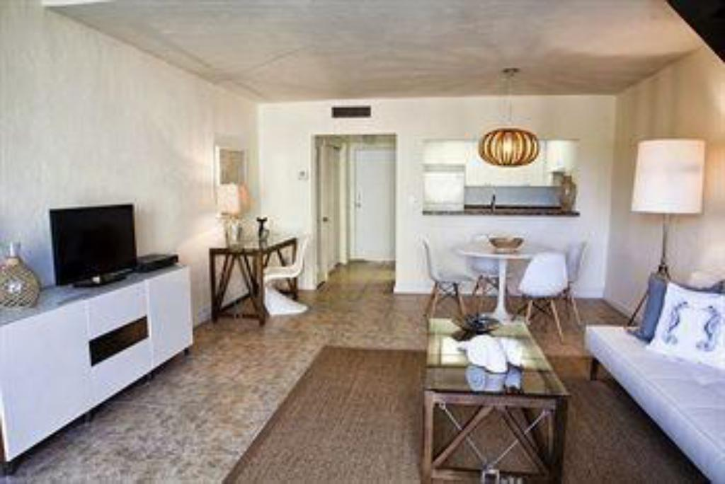 Coral Reef Suites Key Biscayne