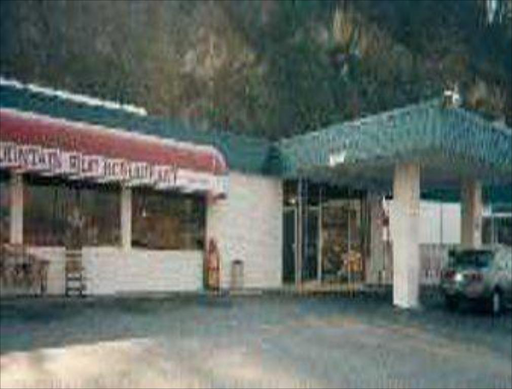 Buffet Knights Inn - Chilhowie