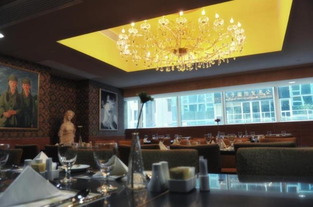 Best Price on Best Western Grand Hotel in Hong Kong + Reviews!