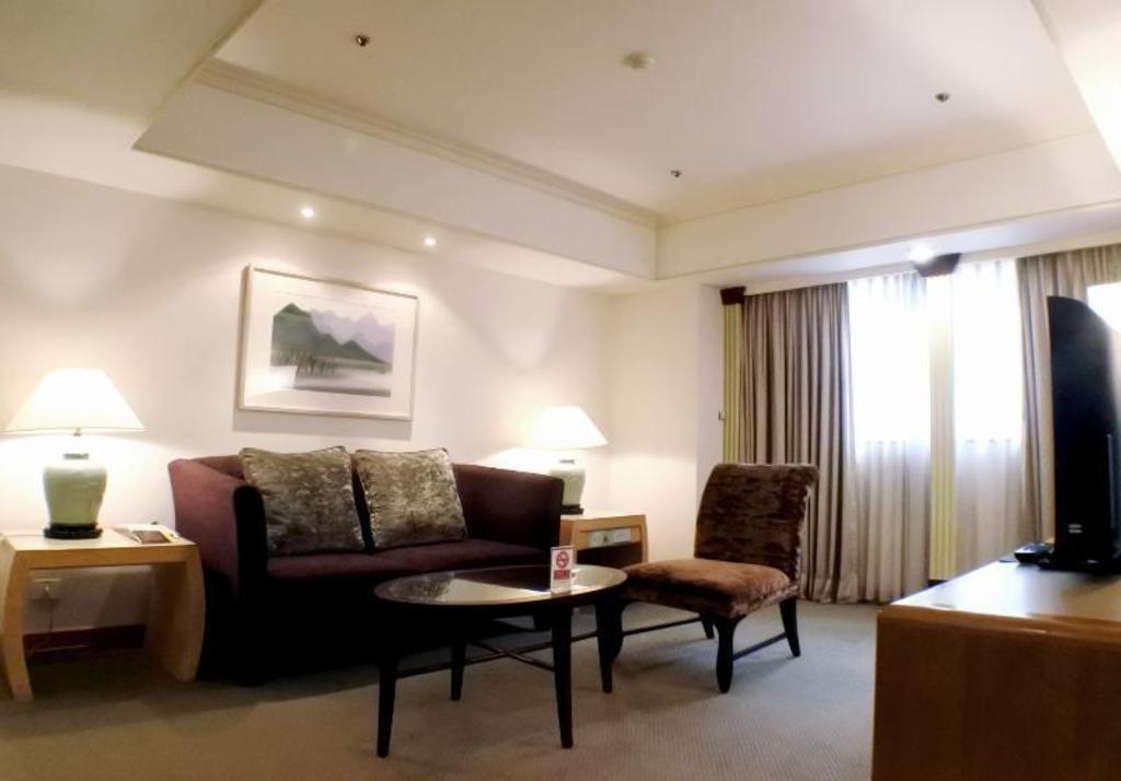 Book Taipei Fullerton Hotel-East (Taiwan) - 2019 PRICES
