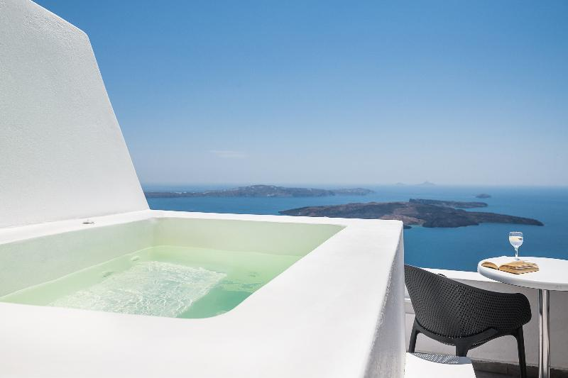 SUITE Honeymoon with Jacuzzi & Caldera View