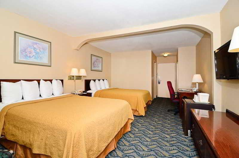 Suite with 1 King Bed - No Smoking