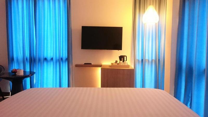 Superior Double Room, 1 King Bed  for 1 Person