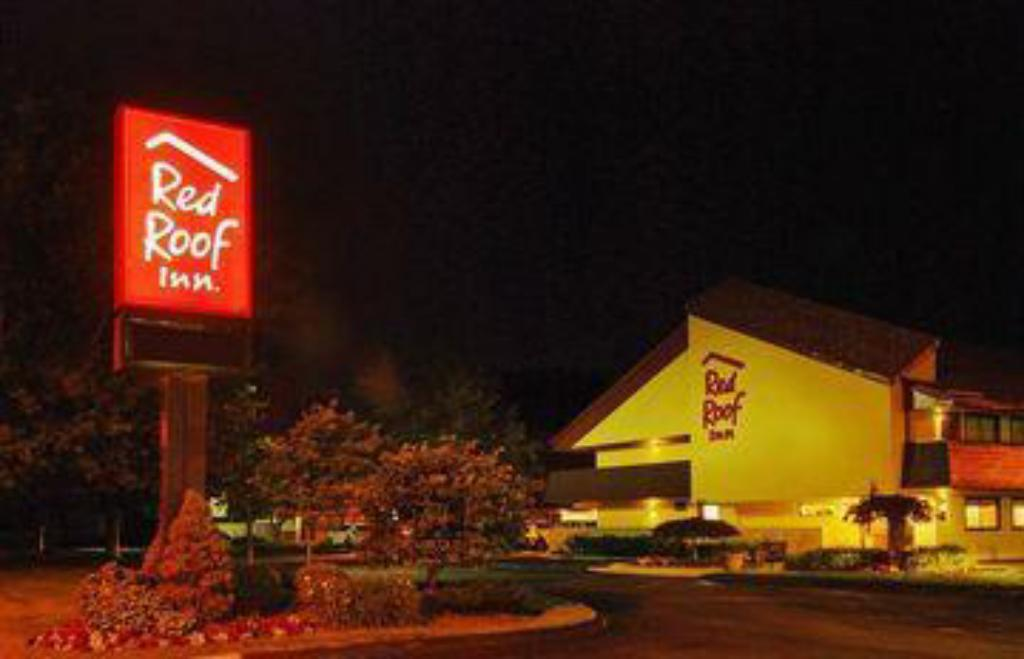 Бюфет Red Roof Inn Cleveland - Westlake