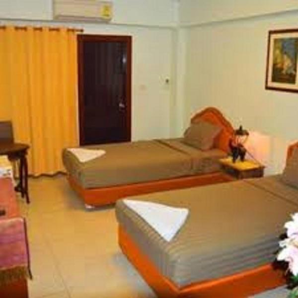 Deluxe Double or Twin Room (Include Breakfast & Round Trip Airport Transfers)