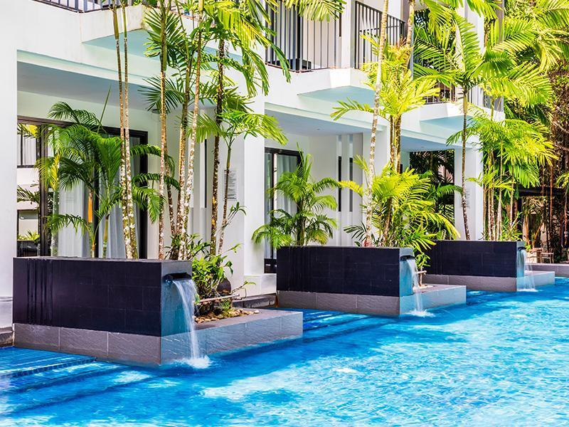 Double or Twin DELUXE POOL ACCESS ROOM
