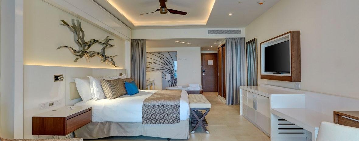 SINGLE JUNIOR SUITE LUXURY SEA VIEW
