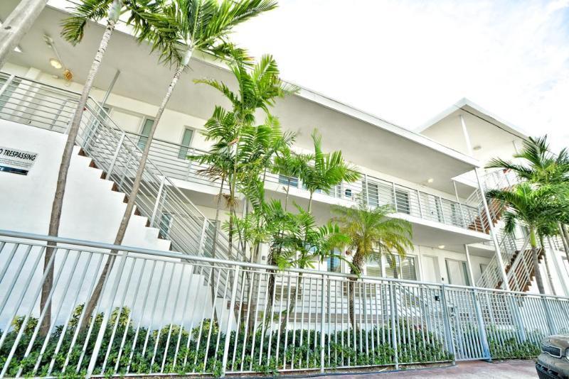 Magnificent Harding Suites Miami Beach In Miami Beach Fl Room Deals Download Free Architecture Designs Ponolprimenicaraguapropertycom