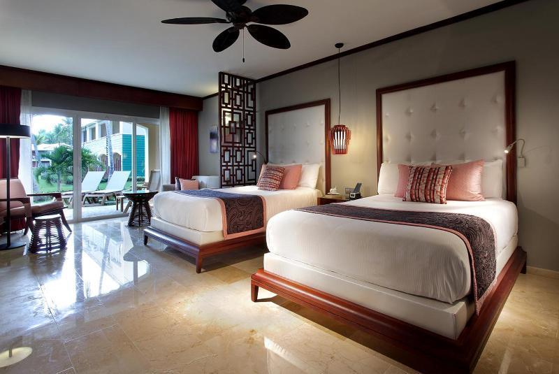 BOOK FROM NZ$208 >> Grand Palladium Bavaro Suites, Resort