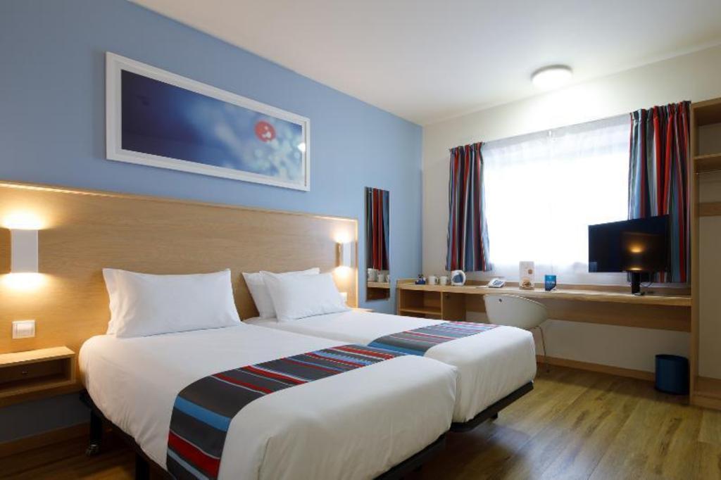 Hotel Travelodge Barcelona Fira In Spain Room Deals