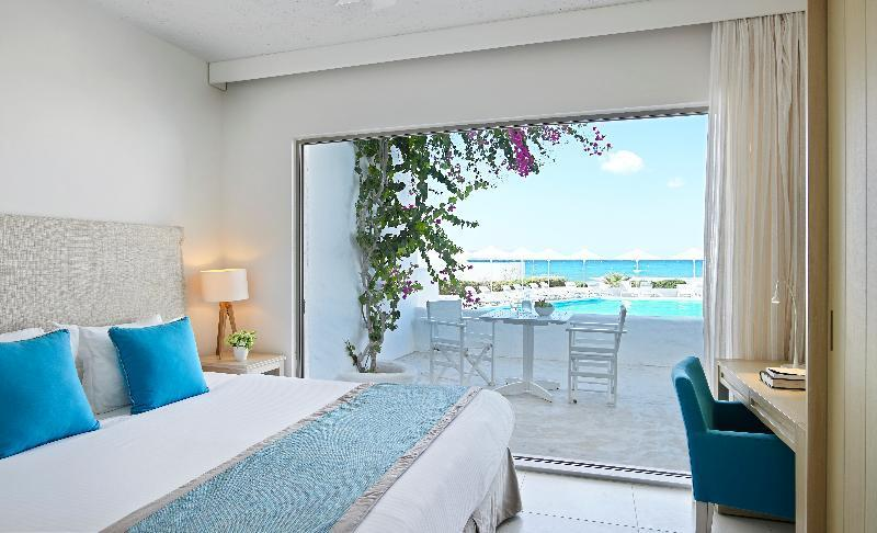 Suite Junior con vistas laterales al mar (Junior Suite Side Sea View)
