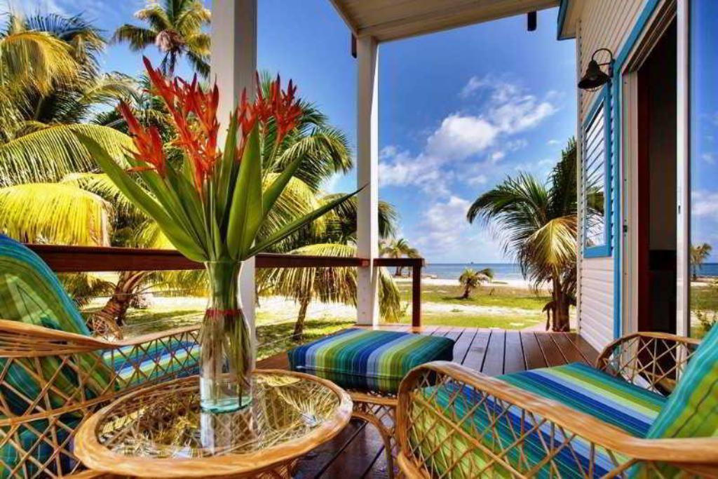 Hatchet Caye Island Resort