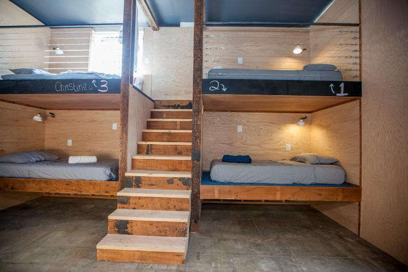 Bed in dormitory Single Twin Pod