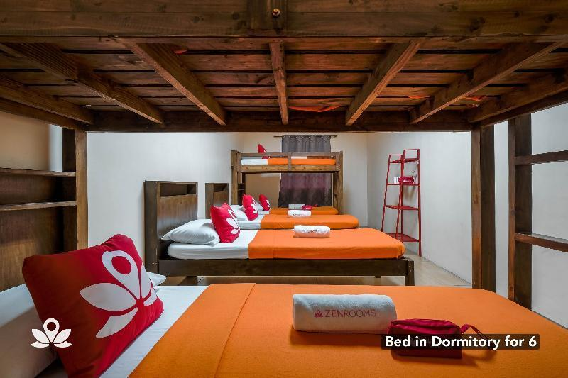 Bed in dormitory Dormitory for 6 with Shared Bathroom